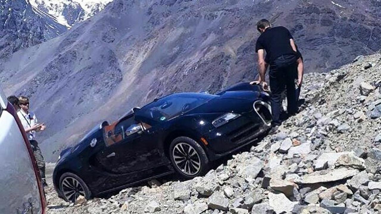 [Copertina] - Bugatti Veyron, un assurdo incidente sulle Ande
