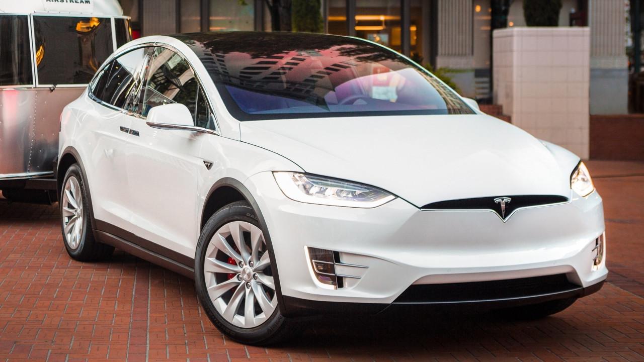 """[Copertina] - Auto elettriche, la Norvegia pensa alla tassa """"anti-Tesla"""""""