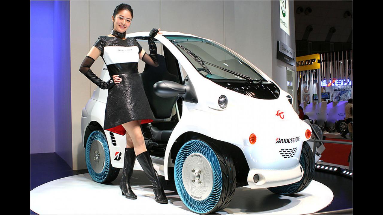 Guten Tag! Dürfen wir Sie zu einer Rundfahrt einladen? Unser Wagen hat übrigens die modernen Blauwand-Reifen ...