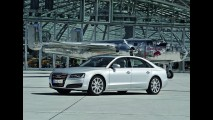 Audi lança Novo A8 L (longo) com motor W12 de 500 cv no Brasil por R$ 625 mil
