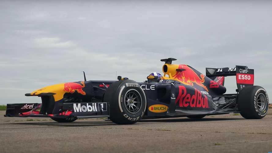 Bir F1 aracını drag yarışında geçebilir misiniz?