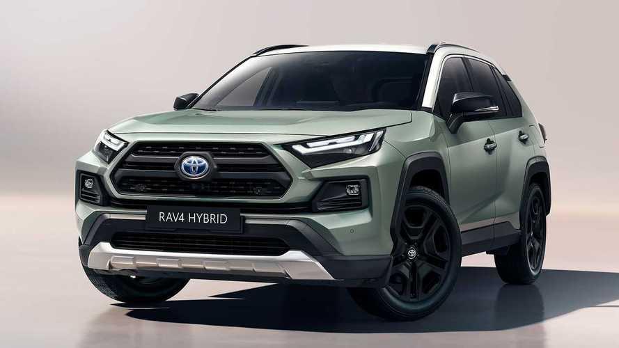 """Toyota RAV4, con il restyling 2022 arriva la versione """"Adventure"""""""