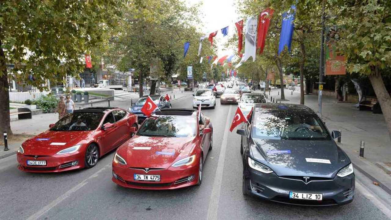 30 Ağustos Zafer Bayramı Elektrikli Araç Konvoyu