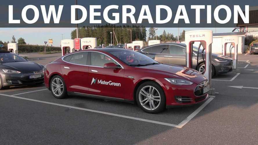 Bjørn Nyland Checks Old 2013 Tesla Model S Battery Degradation