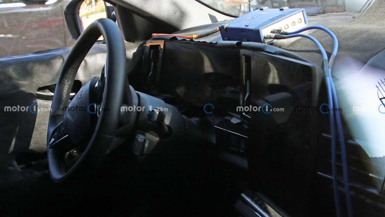Nuova Renault Kadjar, le foto spia degli interni