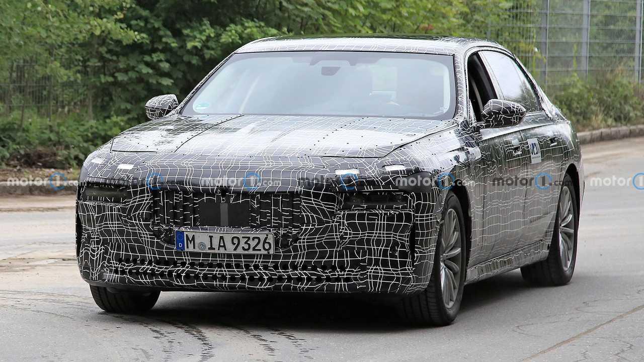 2023 BMW 7-es sorozat új kém fotók (elöl)