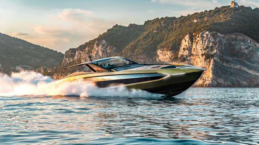 Tecnomar for Lamborghini 63, süper otomobilleri su üstüne taşıyor!