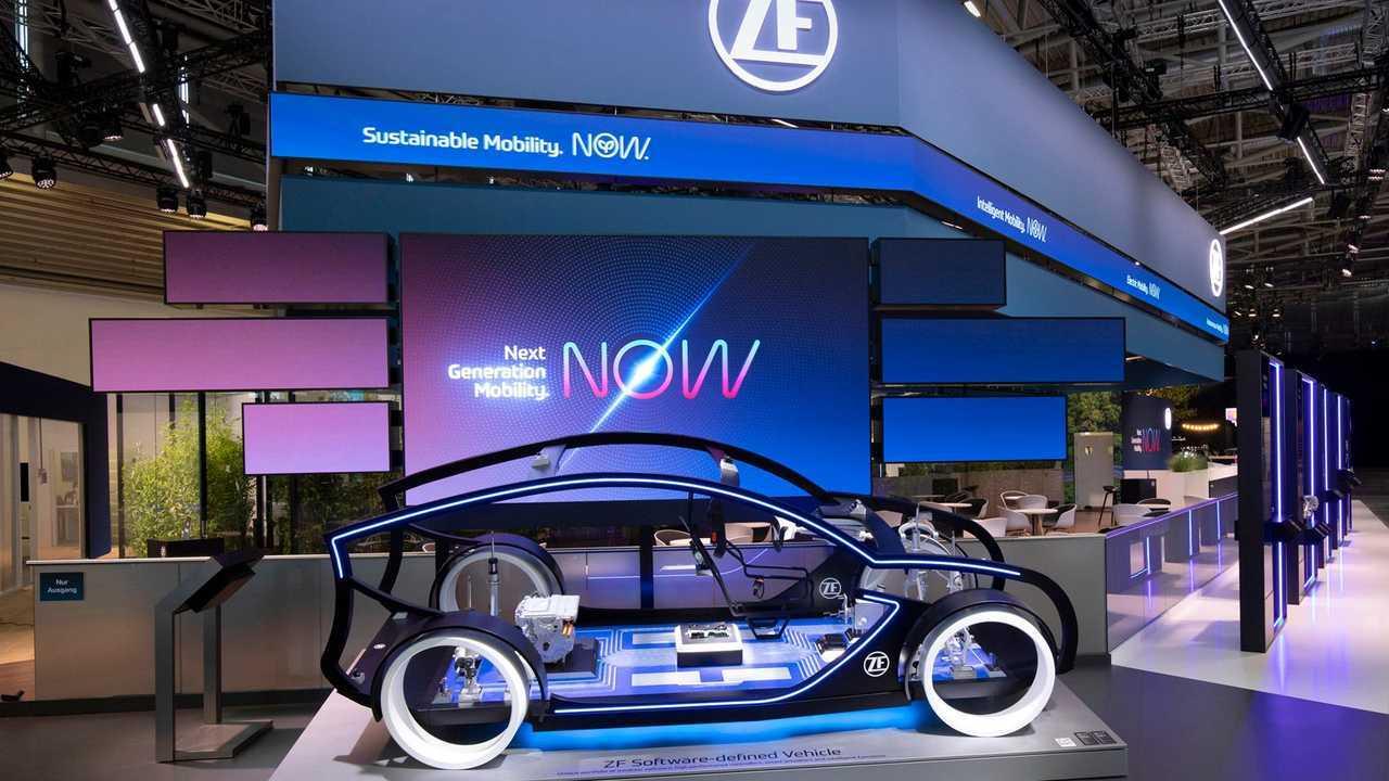 ZF stellt auf der IAA Mobility ein Kit für reine Elektroantriebe vor