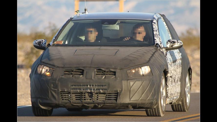 Heiß: Neuer VW Golf im Tal des Todes erwischt