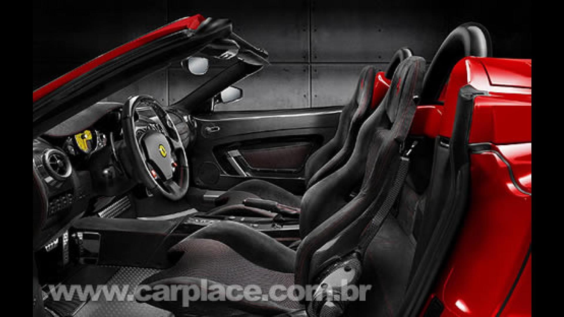 Ferrari Lanca F430 Scuderia Spider 16m Para Celebrar Titulo De Construtor Na F1