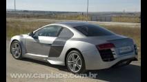 Espanhol cria réplica do superesportivo Audi R8 sobre um Mercury Cougar 2001