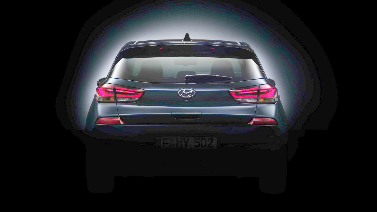 2017 Hyundai i30 teaser (modified)