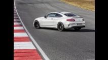 Yeni Mercedes C63 Coupe farkını hissettiriyor
