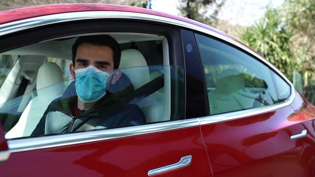 La prova del Tampone Coronavirus Drive Through