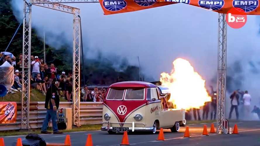 Sí, esta furgoneta clásica de Volkswagen equipa un motor de avión