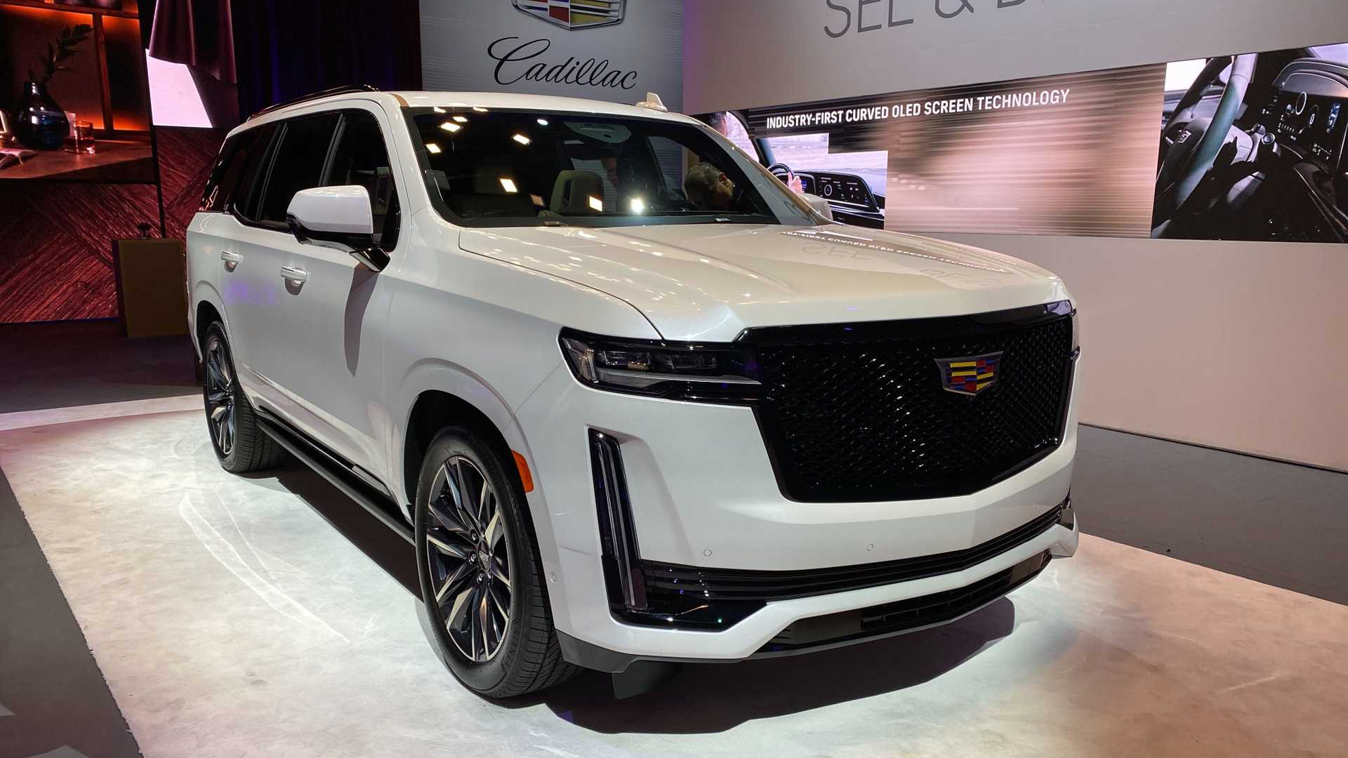 2021 cadillac escalade debuts new look interior tech and specs 2021 cadillac escalade debuts new look