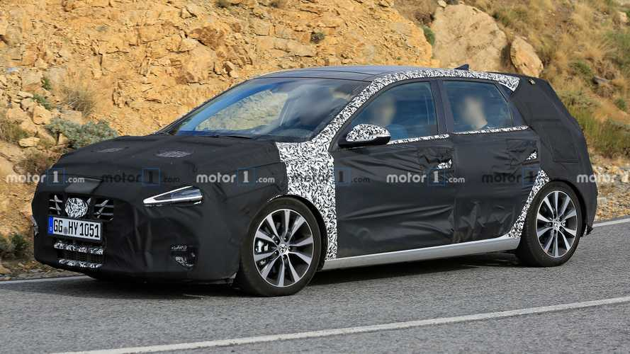 2021 Hyundai i30 Facelift Spied With New Headlights