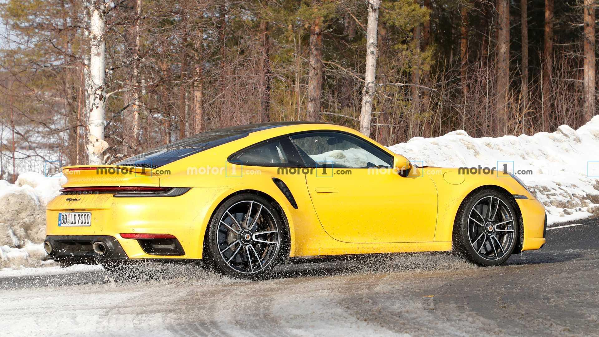 Porsche 911 Turbo S Testing
