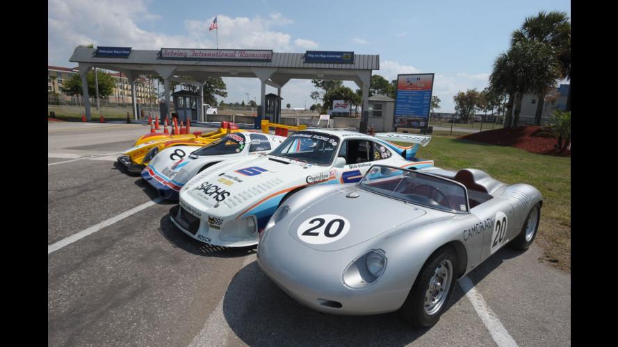 Parata di Porsche da corsa alla 12 Ore di Sebring
