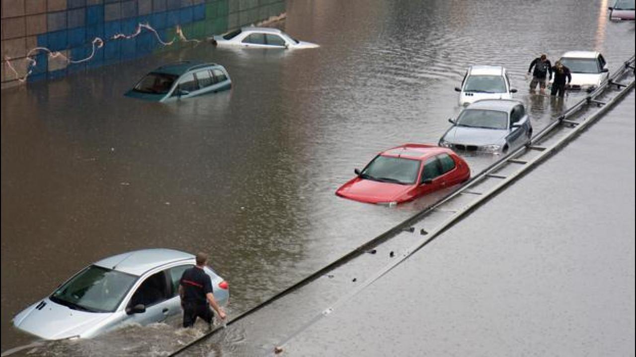 [Copertina] - Meteo e maltempo, come farsi ripagare per l'auto danneggiata