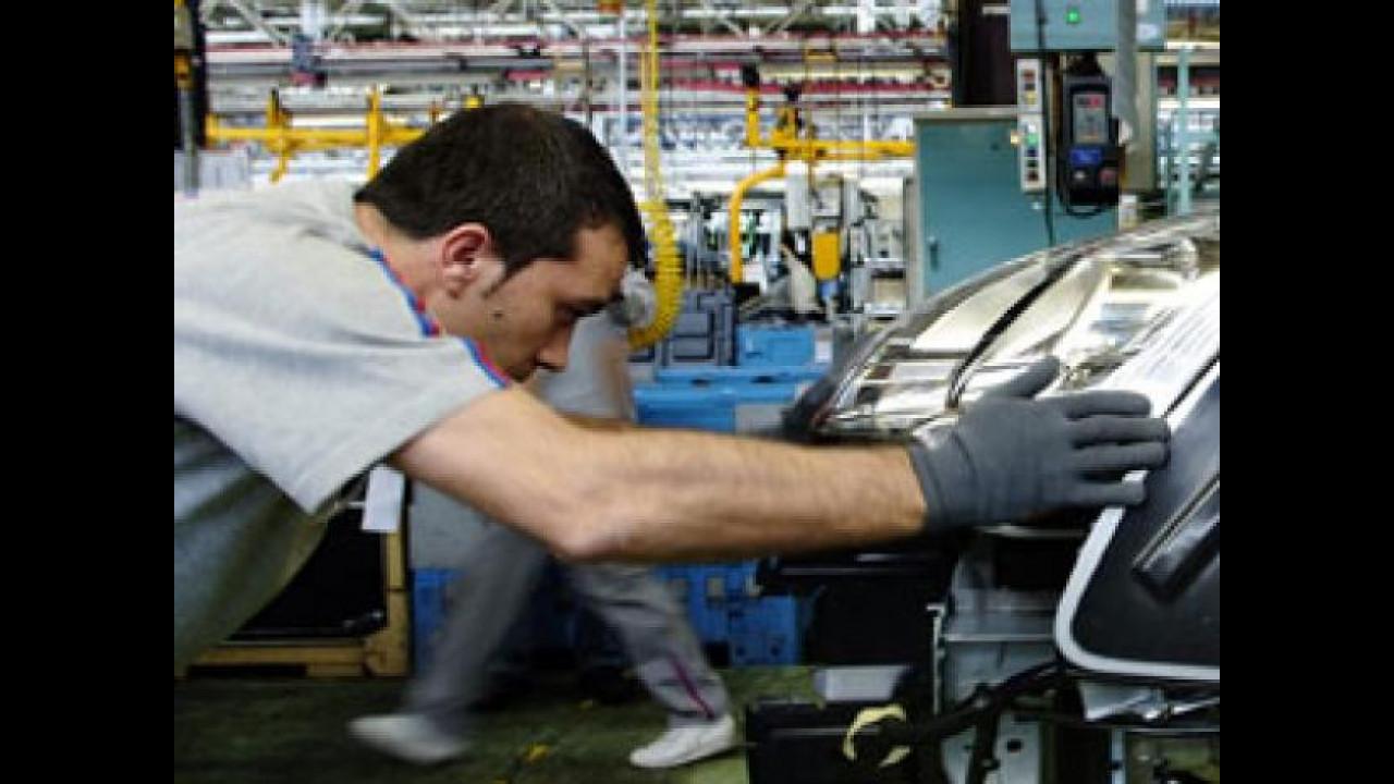 [Copertina] - Contro la crisi Renault propone di aumentare le ore di lavoro in fabbrica