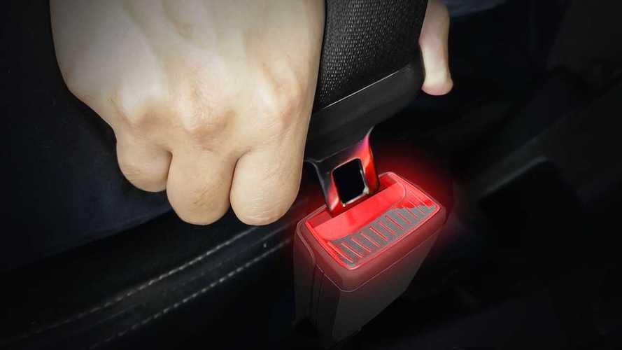 Skoda patenta los enganches de cinturón iluminados