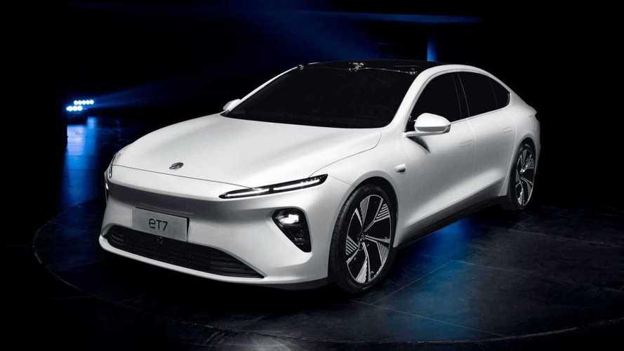 Startup chinesa revela sedã elétrico com 800 km de autonomia - veja detalhes