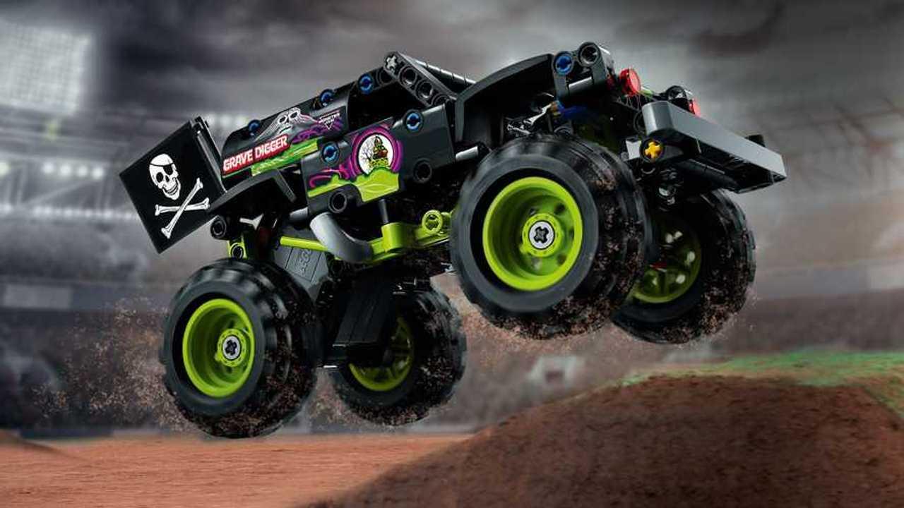 Grave Digger, Max-D Lego Technic Kits