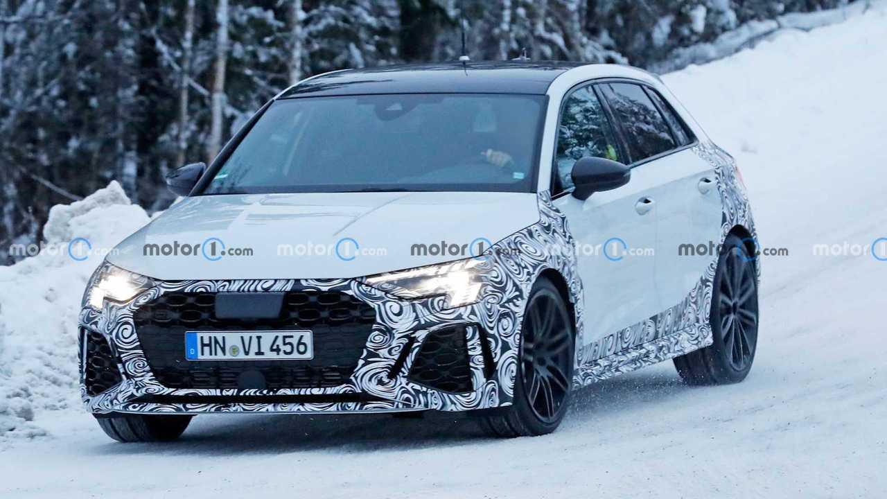 Neue Audi RS3 Sportback Spy Fotos