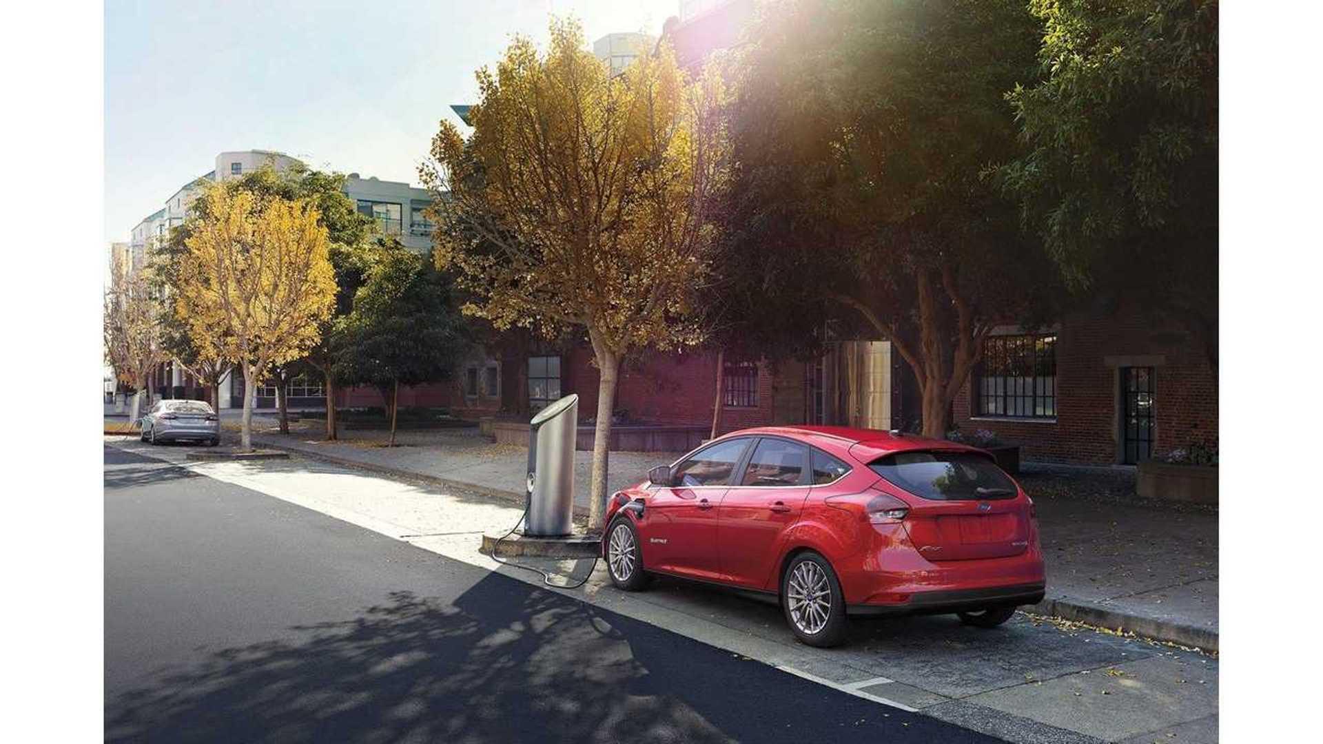 Volkswagen E Golf Vs Ford Focus Electric Comparison Range Test Video