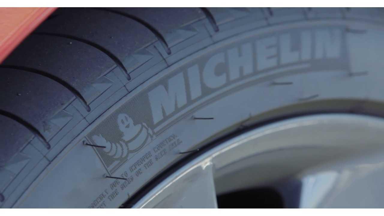 Tesla Model S P85D  - Michelin tires