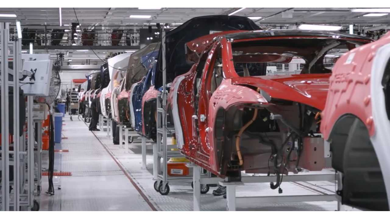Tesla Was Busy Churning Out As Many Model S Sedans Ahead Of the Model X Retail Deliveries And Year End