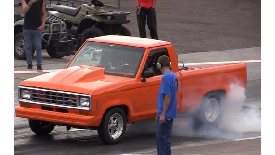 Tesla Model S Versus Race-Prepped Ford Ranger - Drag Race Video
