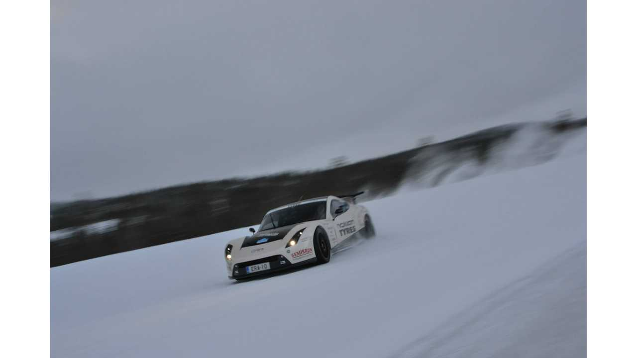 Torque Vectoring Tests On Snow In Electric RaceAbout - Videos