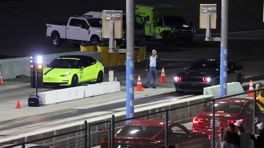 Watch Tesla Model 3 Race Corvette Z06 & Dodge Challenger: Video