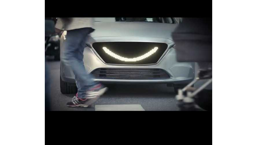 Meet The Self-Driving Car That Smiles And Acknowledges Pedestrians - Videos