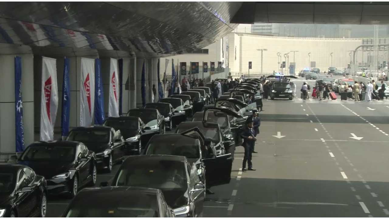 50 Tesla Model S/X taxi in Dubai