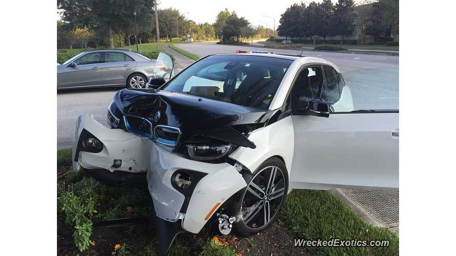BMW i3 Crashes Into Tree - Passenger Compartment Appears Untouched