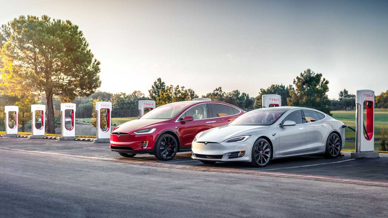 Tesla Model S and X at Supercharger