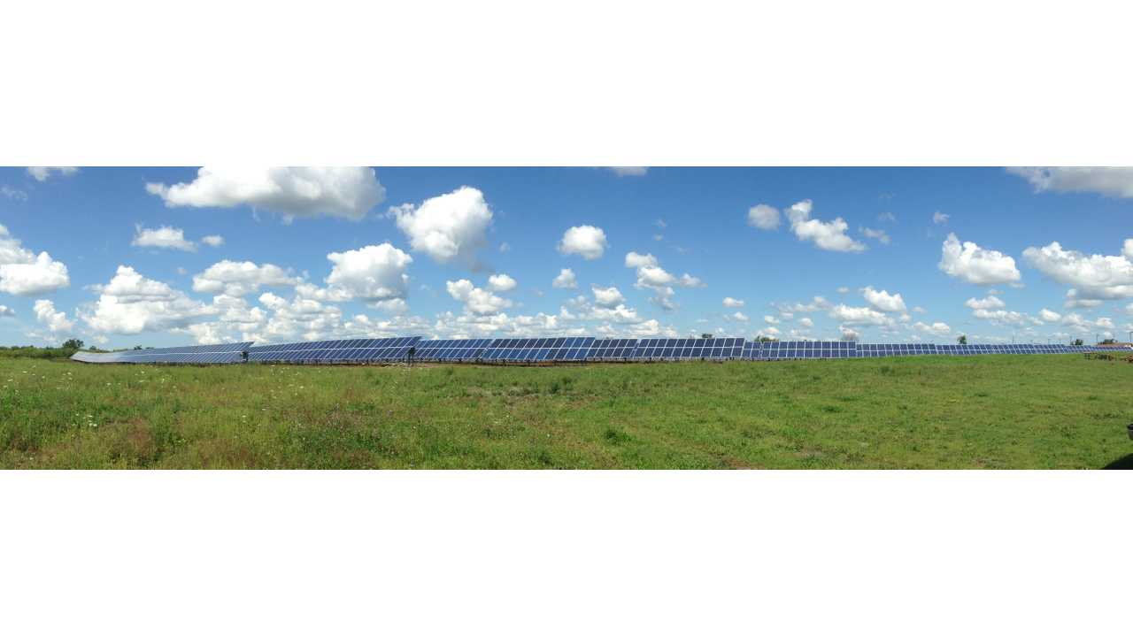 The LEAF's journey included spotting this enormous solar panel array near Watertown, NY; even the panorama doesn't do it justice!