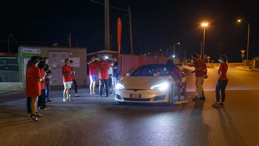 Tesla Model S 100D menzil rekoru