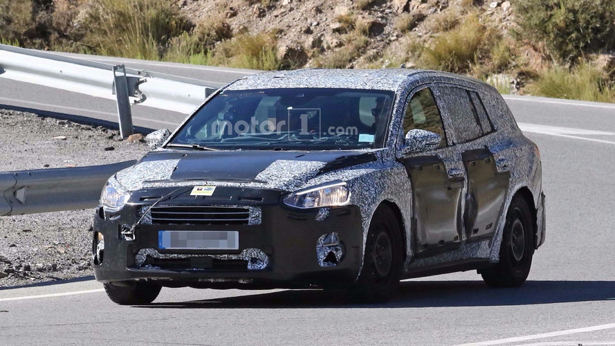 New Ford Focus Wagon Spy Photos Reveal A Bit More Detail