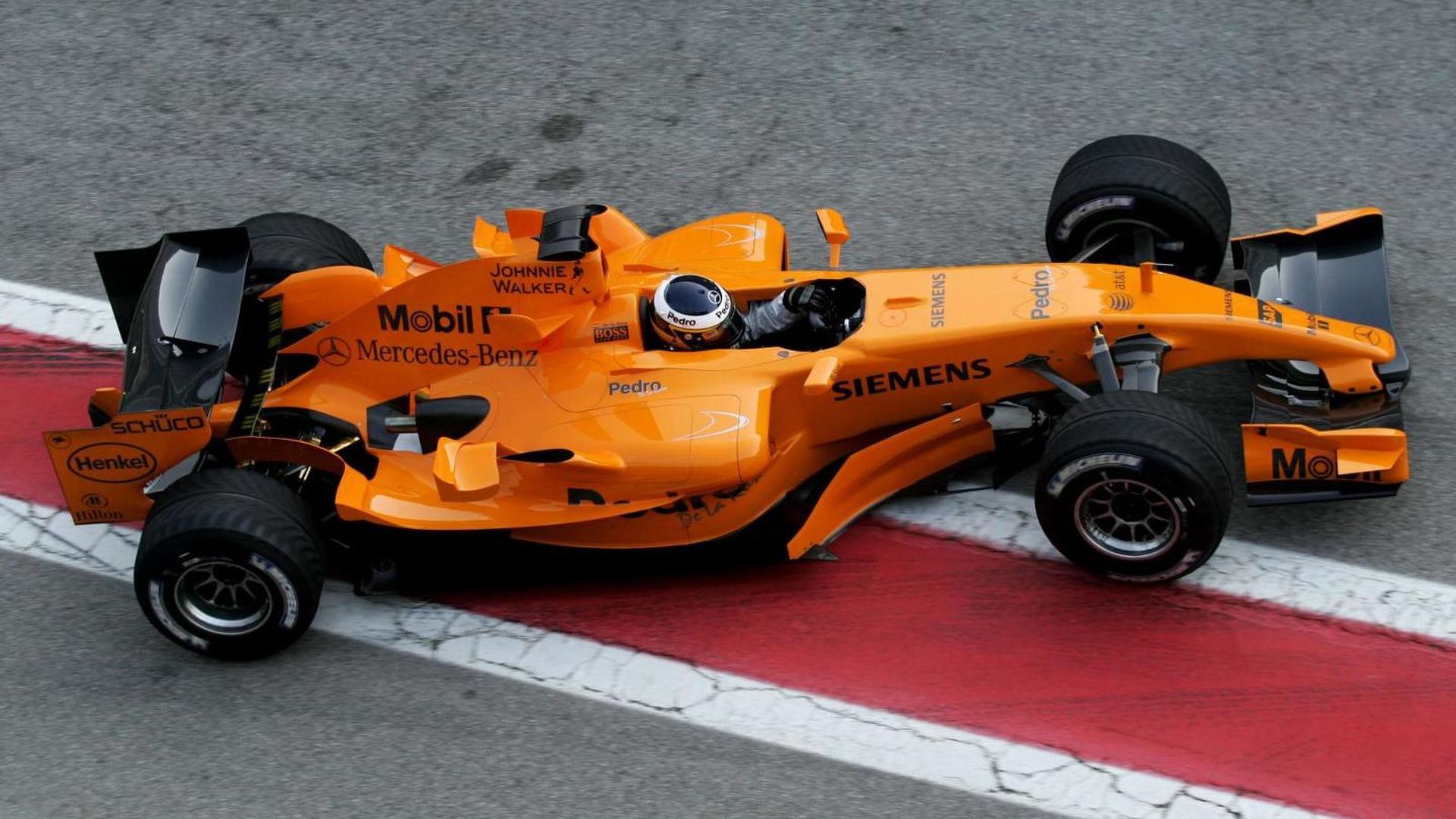 2013-437514-pedro-de-la-rosa-in-mclaren-mp4-21-23-01-2006-formula-one-testing-circuit-de-c1.jpg