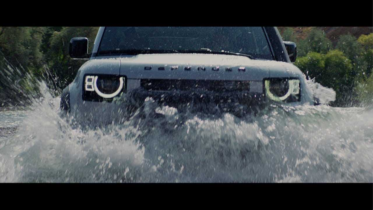 Land Rover Commercial Image