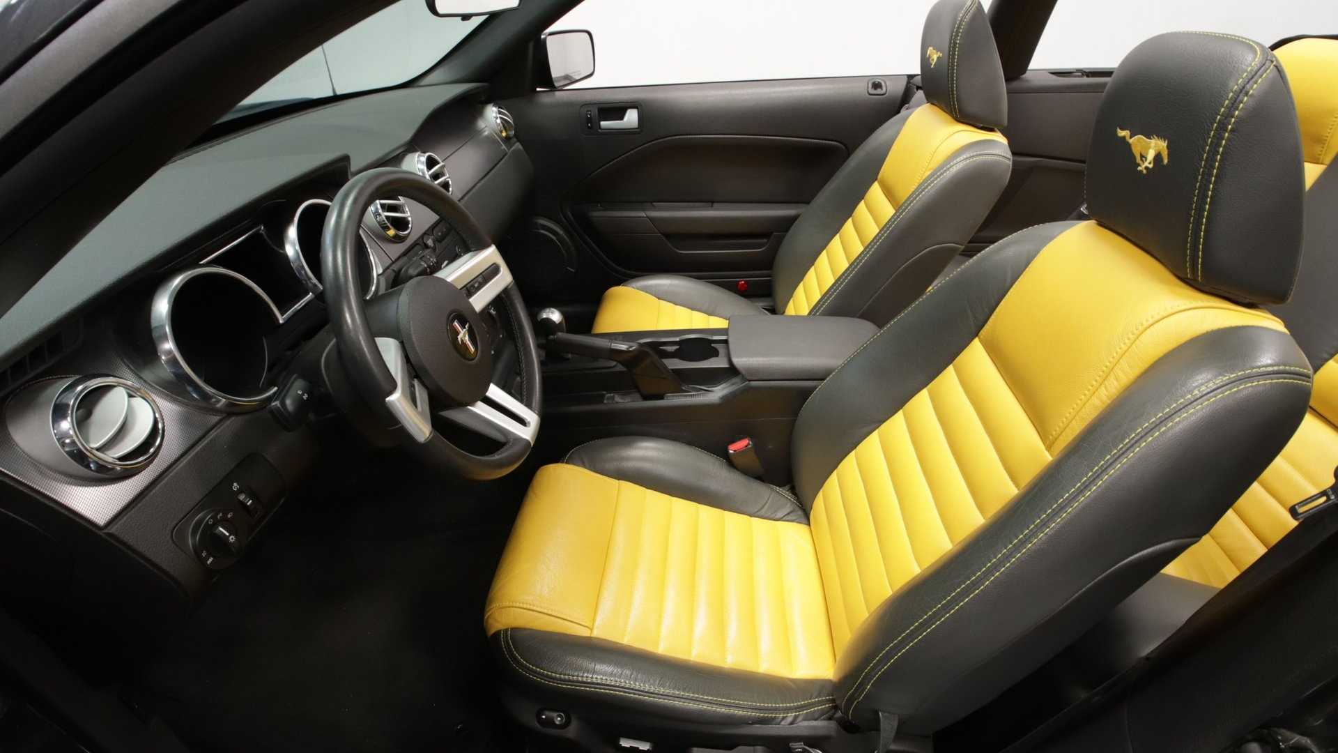Tremendous Steal The Show In This 2007 Ford Mustang Gt Convertible Beatyapartments Chair Design Images Beatyapartmentscom