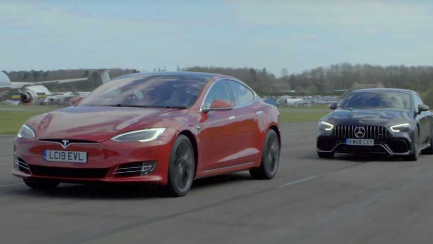 VIDÉO - La Tesla Model S P100D affronte la Mercedes-AMG GT Coupé 4 portes