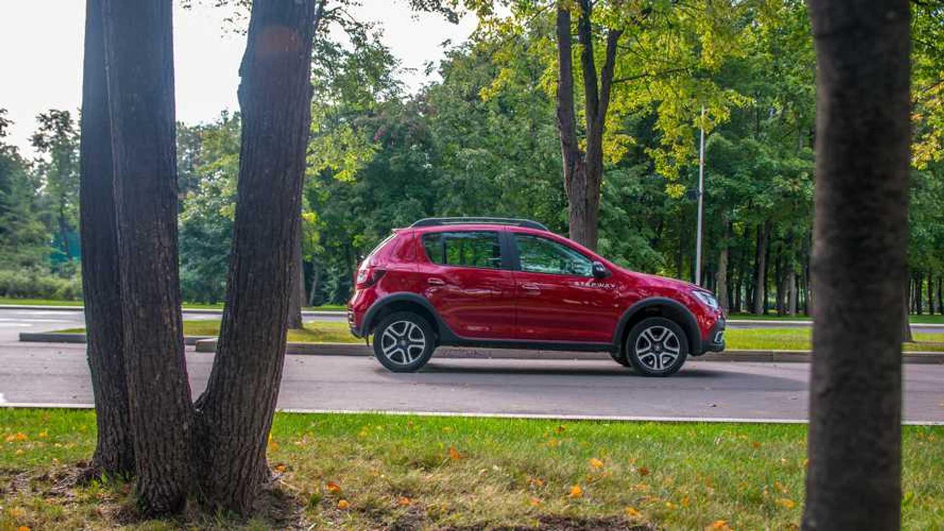 «Внедорожный» Renault Sandero: что с ним сделал вариатор?