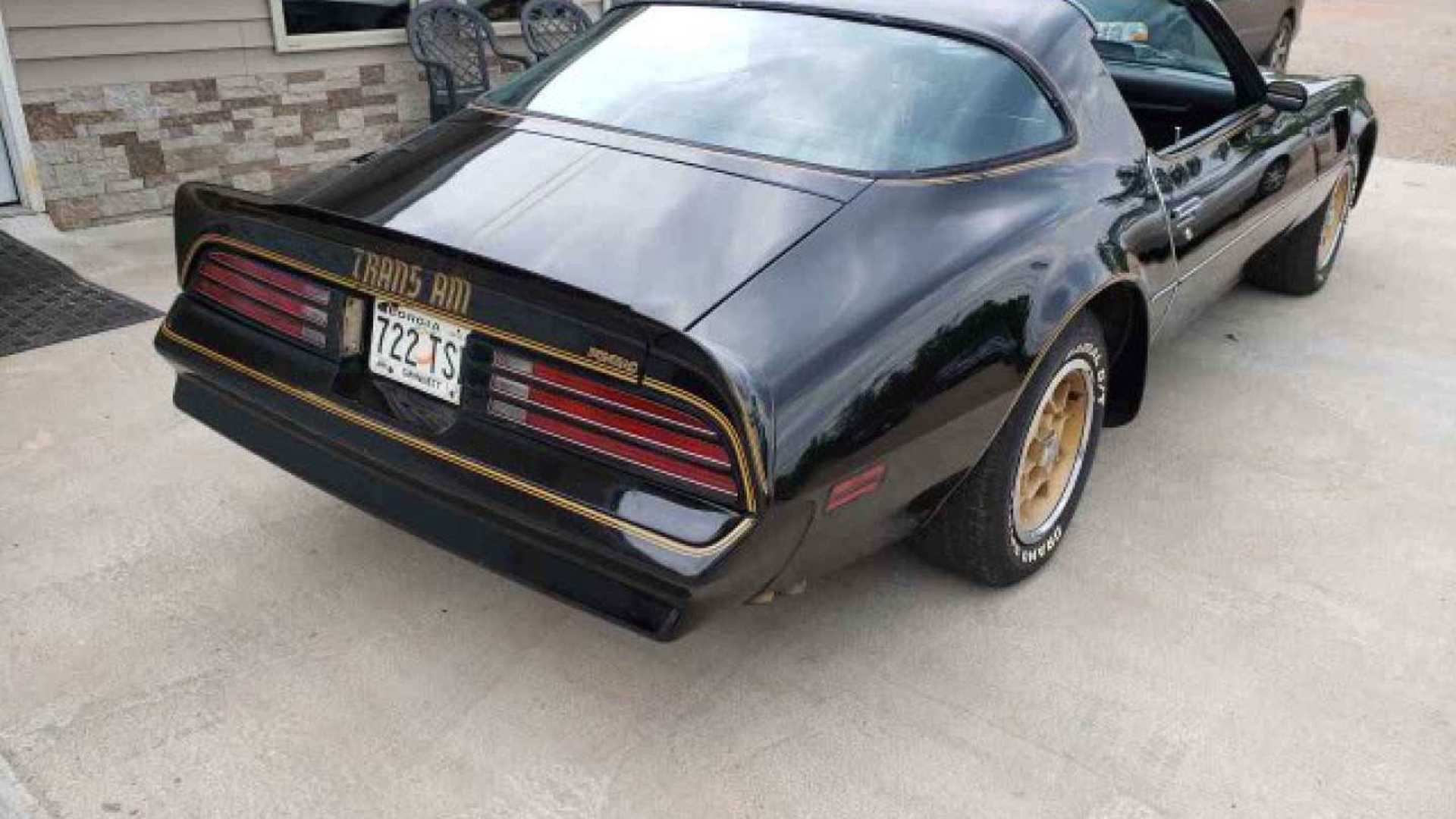 "[""Rare 1976 Pontiac Trans Am Y82 Special Edition For Auction""]"