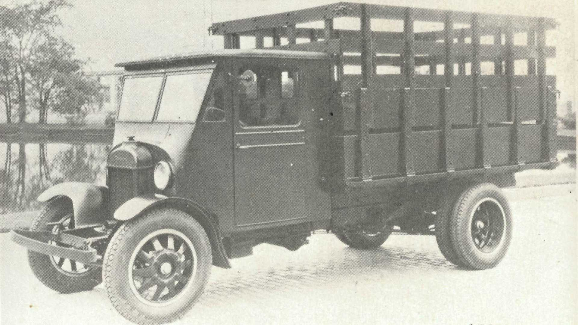 """[""""1926 Fordson Prototype Is Ford's First Heavy-Duty Truck""""]"""