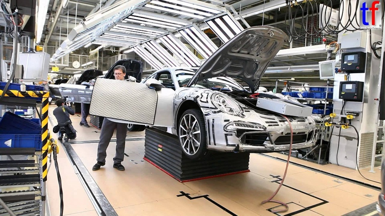 Porsche vai investir 1,1 bilhão de euros em pesquisa e ampliações
